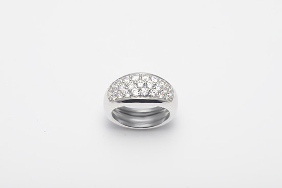 PLUMP RING PAVE